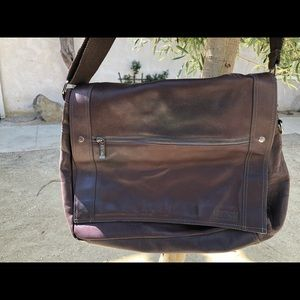 VTG Brown Kenneth Cole Reaction!! Great condition